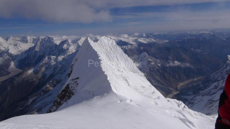 12-Nádherný hrebeň Manaslu North - náš ďalší cieľ.