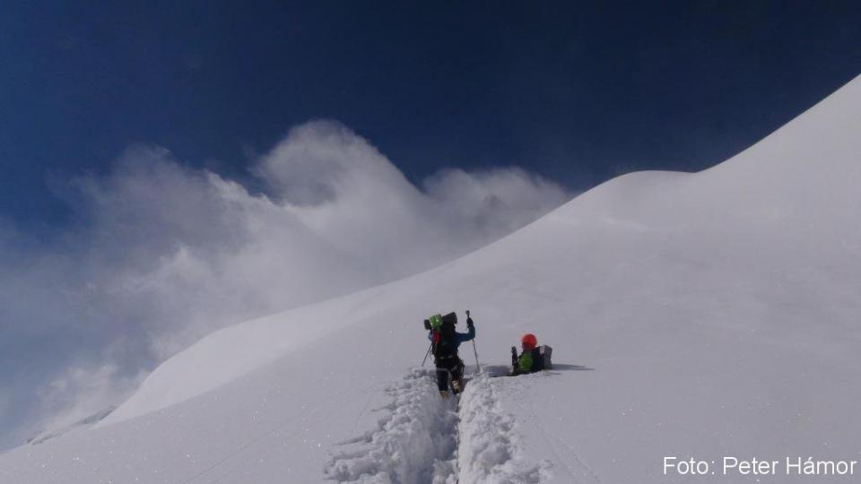 Čoraz hlbší sneh na ceste do C2