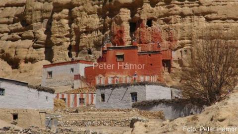 Gompa in Chhoser