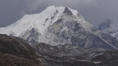 Island Peak z Dinboche