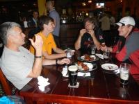 Paľo, Maroš, Rudy a Štěpán pri poslednej večeri v Islamabade