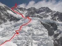 Cesta cez horný ľadovec z C2 na vrchol.