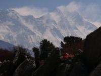 Nuptse, vrchol Everestu a obrovská južná stena Lhotse.