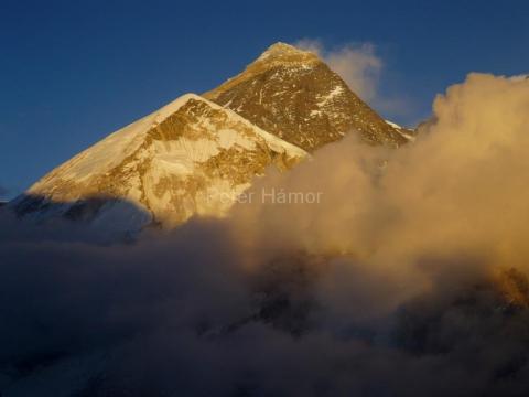 Mount Everst - hora snov.