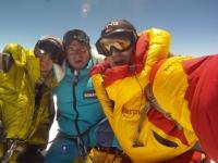 Horia, Justin a ja na vrchole Shishapangmy.