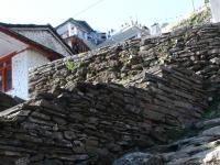Aj dediny máju svoje vrcholy - toto je vrchol Chhomrongu.